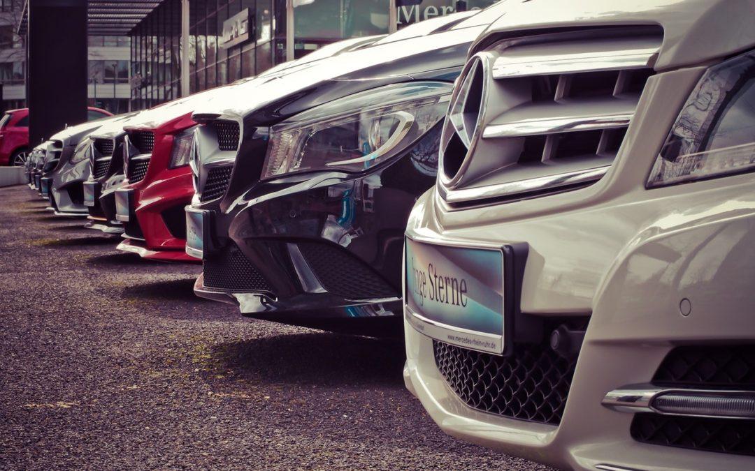 Jak kupować samochód przez internet, żeby się nie naciąć?